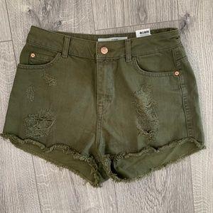 Topshop Moto Hallie Denim Shorts in Olive Green